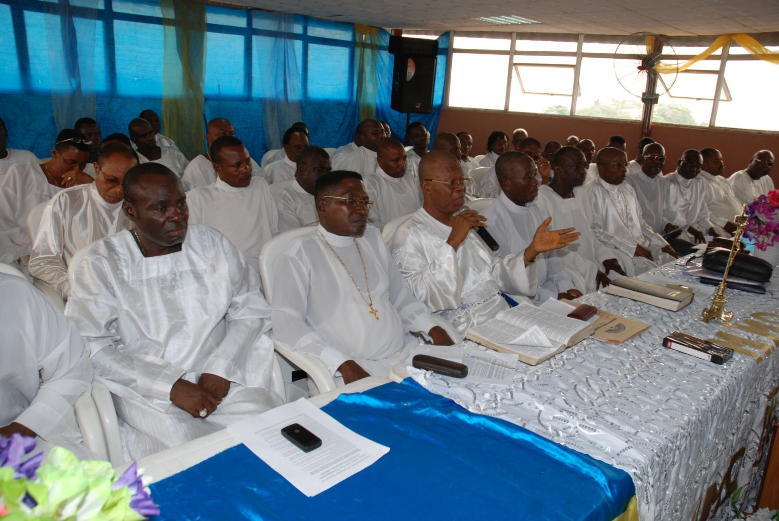 Hiseminence rt church of christ at a press conference in lagos tuesday january 27 2009 where oshodi renounced his rank and title as reverend and deputy pastor for publicscrutiny Gallery